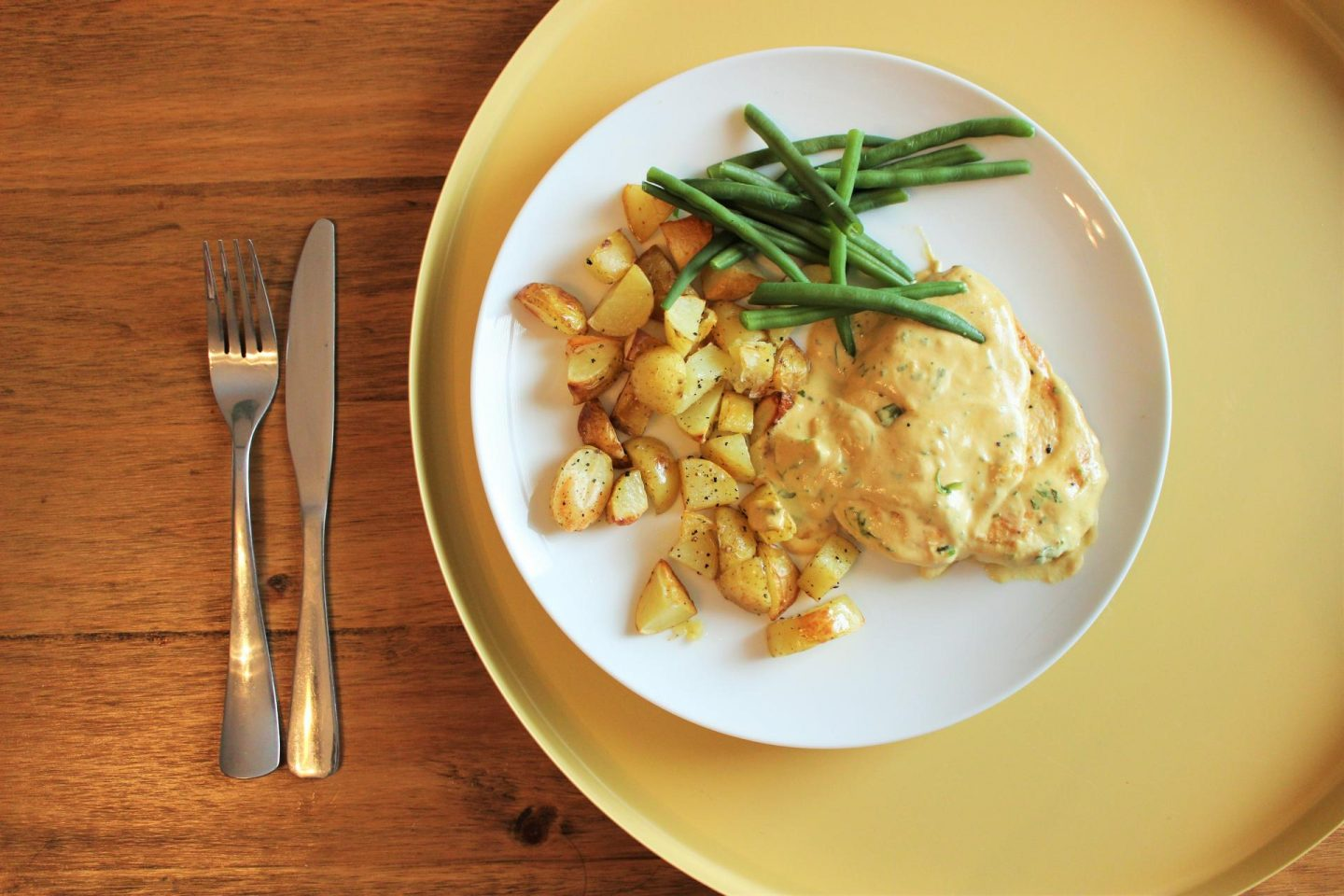Recipe | Pan-Fried Chicken with New Potatoes and Tarragon Sauce