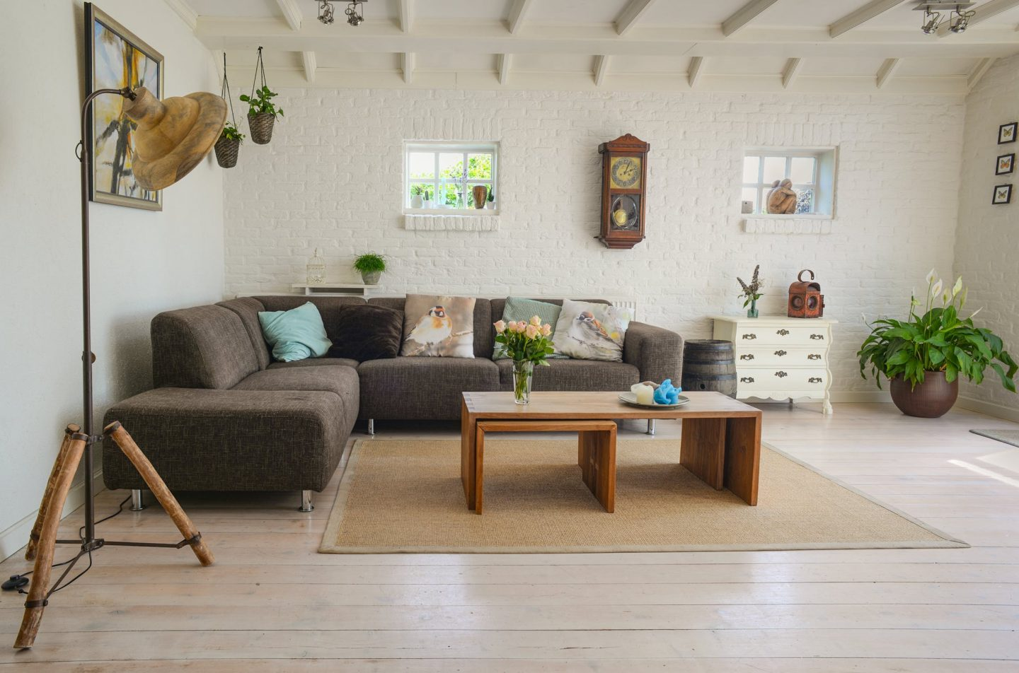 HOW TO MAKE YOUR HOME IDEAL FOR FAMILY LIVING ON A BUDGET