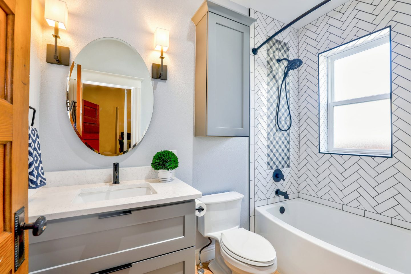 EASY BATHROOM UPDATES ON A BUDGET
