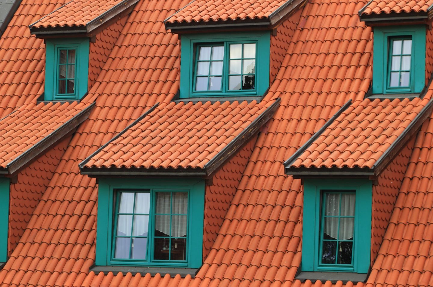 ESSENTIAL ROOF MAINTENANCE FOR YOUR HOME